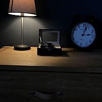 Fin liten klocklåda med graverat namn