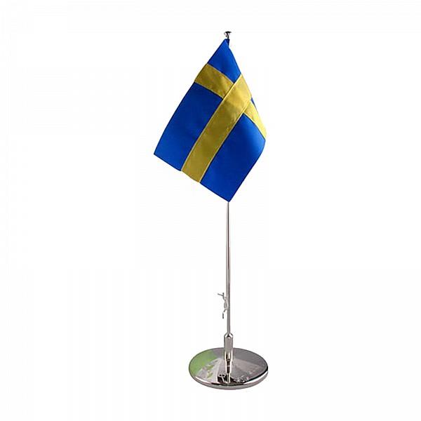 Dopflaggstång med gravyr och Svensk flagga